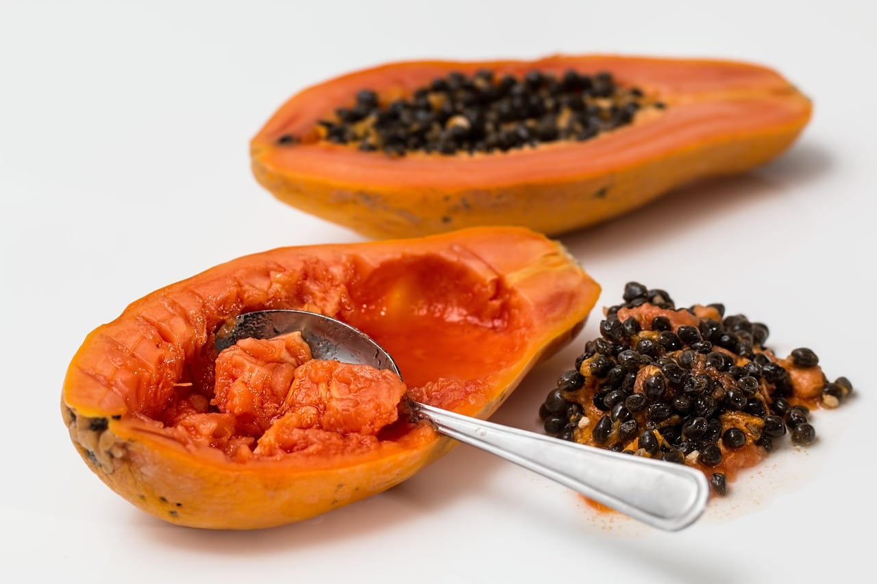 Fruits in Ghana - papaya