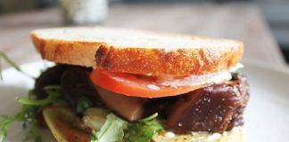 THREE VEG AND MEAT - portabello sandwich